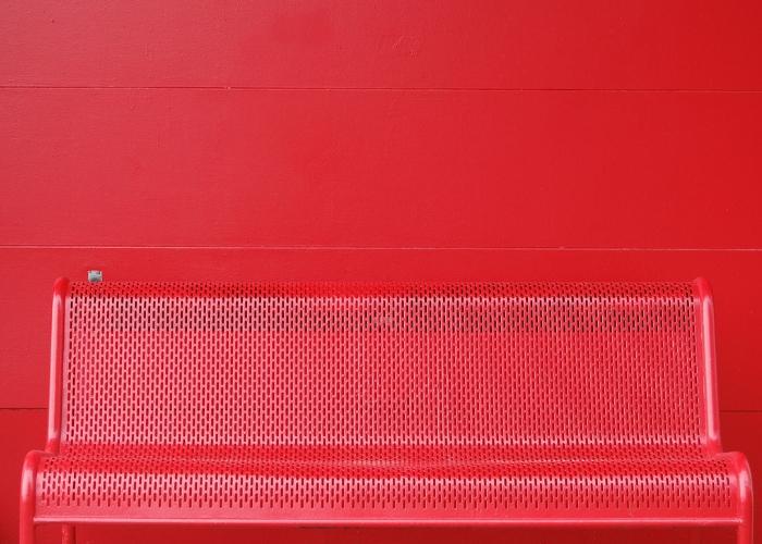 vermelho em fachadas escolares