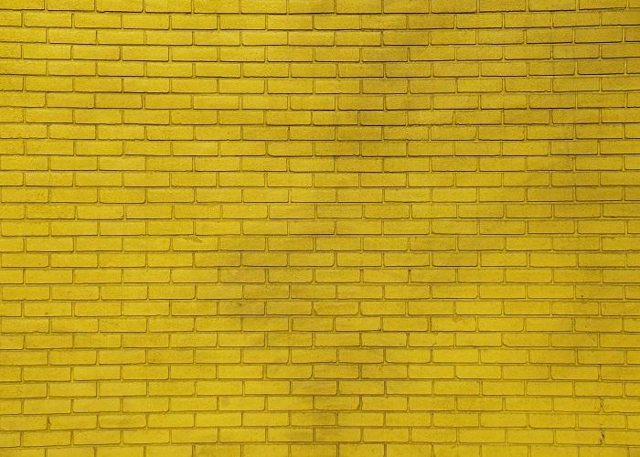amarelo em fachadas escolares