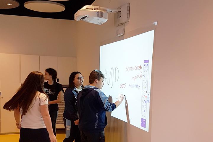 tecnologia na escola com crianças